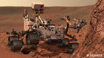 This artists rendering provided by NASA shows the Mars Rover, Curiosity. After traveling 8 1/2 months and 352 million miles, Curiosity will attempt a landing on Mars the night of Aug. 5, 2012. (Foto:NASA/AP/dapd)