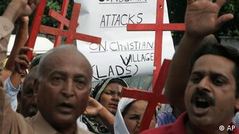 Pakistani Christians chant slogans during a rally to condemn the attacks on Christians by Sunni Muslims, Saturday, Aug. 1, 2009 in Lahore, Pakistan (ddp images/AP hoto/K.M.Chaudary)