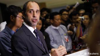 UN-Sonderberichterstatter Tomas Ojea Quintana bei einer Pressekonferenz (Foto: REUTERS/Soe Zeya Tun)