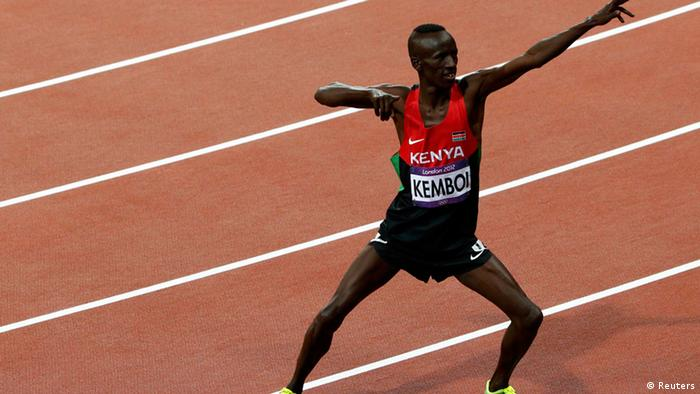Kenya's Ezekiel Kemboi poses after winning the men's 3000m steeplechase final during the London 2012 Olympic Games at the Olympic Stadium August 5, 2012. REUTERS/David Gray (BRITAIN - Tags: OLYMPICS SPORT ATHLETICS TPX IMAGES OF THE DAY)