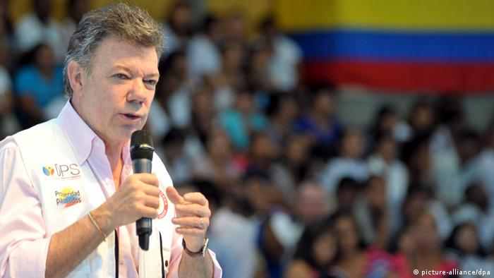 Colombia's President Juan Manuel Santos speaks during the presentation of diverse government achievements in Cali, Colombia, August 2, 2012. The President of Colombia, Juan Manuel Santos makes two years in office on August 7, 2012, half of the period for which he was elected, with a sharp slump in popularity and several problems, August 6, 2012. Photo: Javier Casella /SIG / Handout/ dpa/ au ++ FOR EDITORIAL USE ONLY/NO SALES ++ pixel