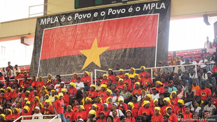 members of the ruling MPLA party at a rally to garner support for their candidate Eduardo dos Santos Fotograf: Quintiliano dos Santos