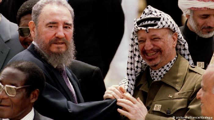 علاقة خاصة جمعت فيديل كاسترو بياسر عرفات
