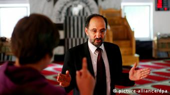 Ahmad Aweimer Foto: Oliver Berg dpa/lnw (zu dpa/lnw: Imam in Deutschland: «Kämpfen gegen Vorurteile» vom 29.07.2011) +++(c) dpa - Bildfunk+++