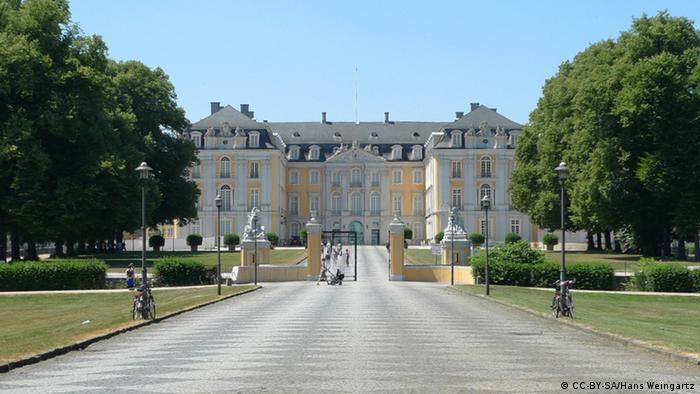 Палац Августусбург у Брюлі