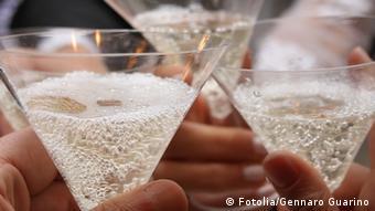 Champagne glasses © Fotolia/Gennaro Guarino #42817191