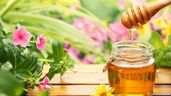 الماء بالعسل- قوة للأبدان وشفاء من الأمراض