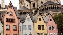 Altstadt in Köln mit der Kirche Groß St. Martin im Hintergrund