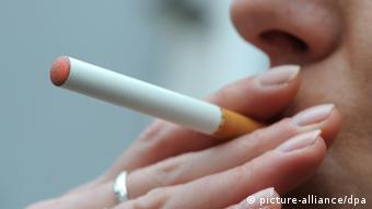 Electronic cigarette (photo: Marcus Brandt dpa/lno)