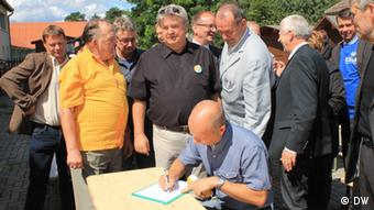 Oberbürgermeister von Vorpommern unterschreiben eine Absichtserklärung Foto: R. Romaniec (DW).