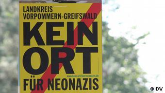 Schild gegen Nazis in Pasewalk Foto: R. Romaniec (DW).