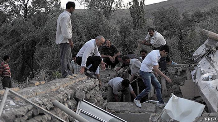 Zwei schwere Erdbeben haben am Samstag den Nordwesten des Irans erschüttert