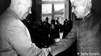 Nehru und Chruschtschow 1961 in Moskau (Foto:Keystone/Getty Images)