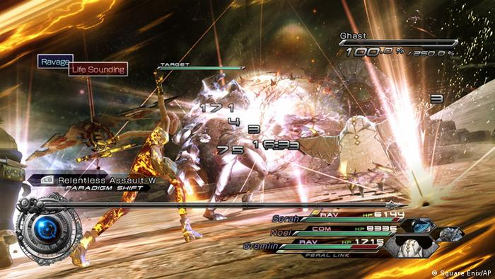 This screenshot provided by Square Enix shows a battle sequence from the video game Final Fantasy XIII-2. Two heroes will travel through time to save the future in this direct sequel to 2010's Final Fantasy XIII, for the Xbox 360 and PlayStation 3. (Foto:Square Enix/AP/dapd)