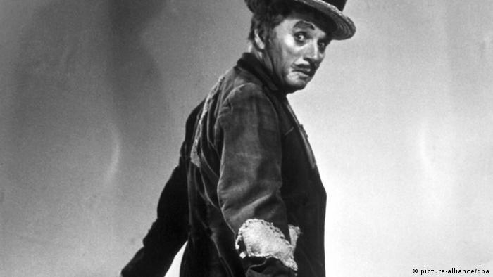 Schauspieler Charlie Chaplin im Film rampenlicht (Foto: dpa)