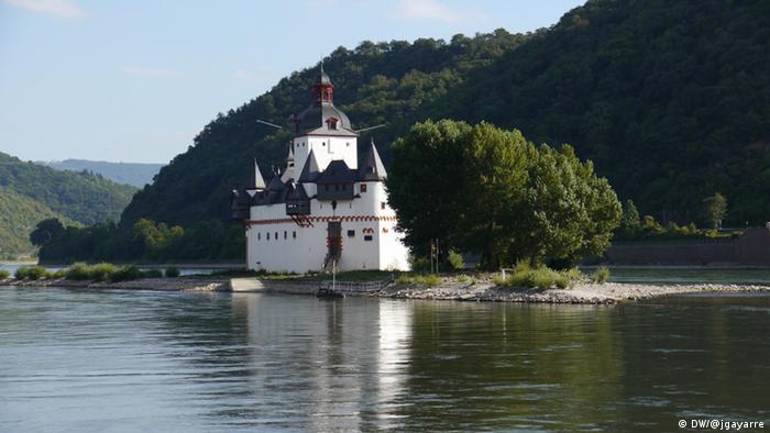 Замок Пфальцграфенштайн на Рейні