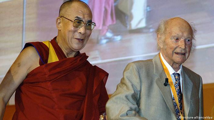 Bergsteiger Heinrich Harrer und der Dalai Lama