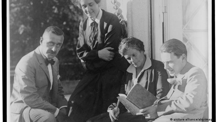 Thomas Mann with his wife Katia and children Klaus and Erika