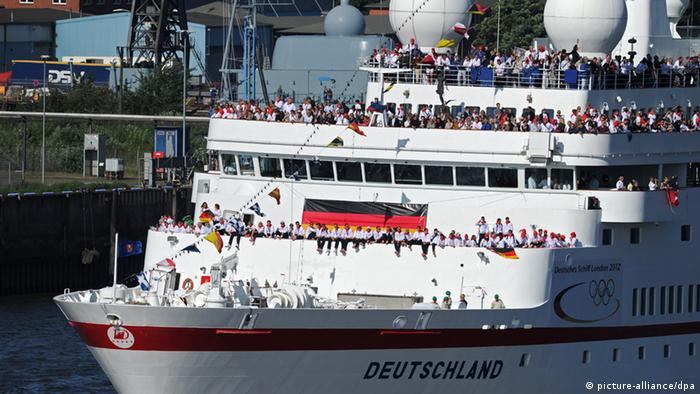 Germany's Olympic team arrives in Hamburg on the cruise ship MS Deutschland.