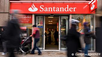 Santander bank (Photo:LEON NEAL/AFP/Getty Images)
