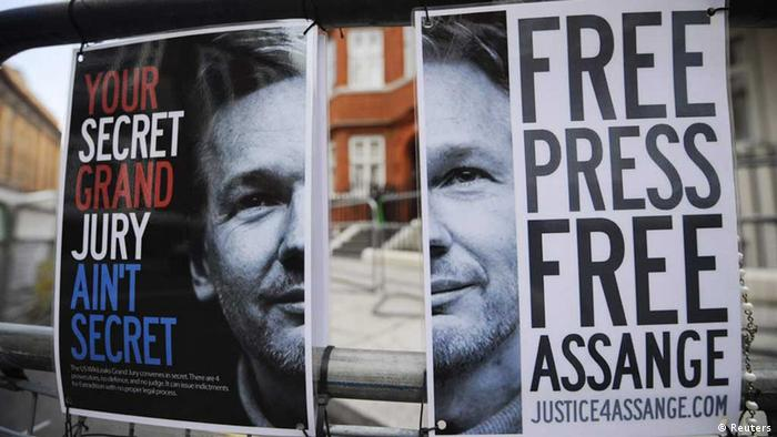 Source News Feed: EMEA Picture Service ,Germany Picture Service A barrier with a Free Assange posters are seen opposite the Ecuadorean Embassy in London August 14, 2012. Ecuador is likely to announce a decision on whether to grant political asylum to WikiLeaks founder Julian Assange before the end of the week in a case with diplomatic implications around the world, President Rafael Correa said on Monday. Assange has been taking refuge in the Ecuadorean Embassy in London since June 19 to avoid extradition to Sweden, where he is wanted for questioning on sex crime allegations. REUTERS/Ki Price (BRITAIN - Tags: SOCIETY POLITICS) // eingestellt von se