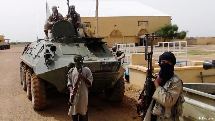 Islamistische Kämpfer der MUJWA in Nord-Mali, aufgenommen im August 2012 (Foto: REUTERS)