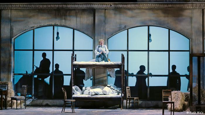 Stage setting from 'Die Soldaten' opera
