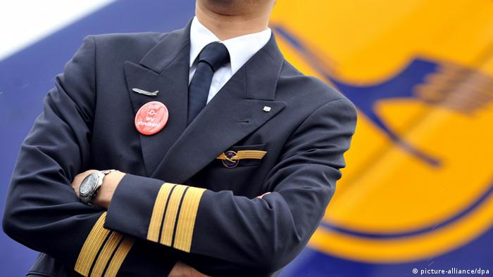 Lufthansa pilot (picture-alliance/dpa)