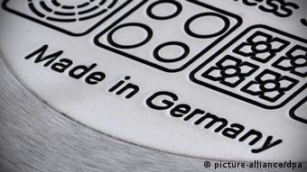 Made in Germany steht auf der Unterseite eines Kochtopfs (Foto: dpa)