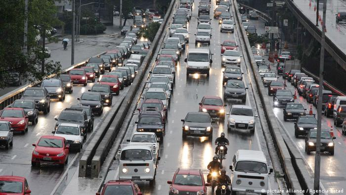 Heavy traffic in Sao Paulo (Photo: Luiz Guarnieri/Brazil Photo Press/AE)