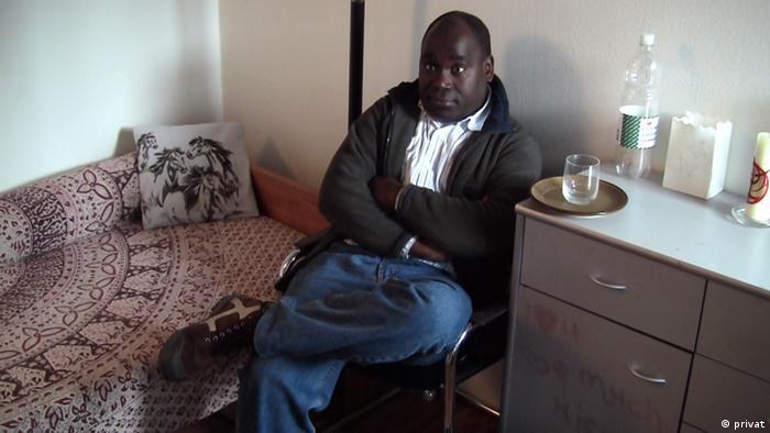 Bartolomeu Capita (anerkannter Flüchtling in der Schweiz; Führendes Mitglied der Nationalen Bewegung Cabinda - Movimento Nacional Cabinda, MNC. Die Fotos wurden im Sept. 2011 in Bern, Schweiz, aufgenommen.