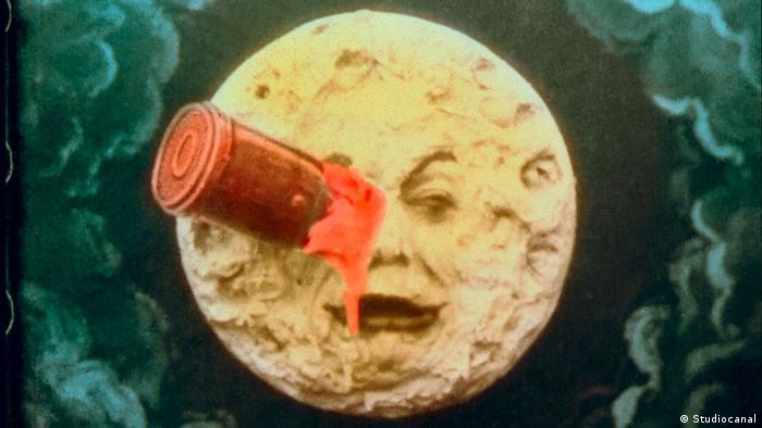 Georges Melies Die Reise zum Mond - Trickszene mit Mond und Rakete im Auge (Studiocanal)