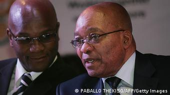 Police minister Mthethwa talks with Zuma