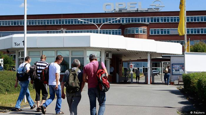 Workers arrive to Opel plant in Bochum