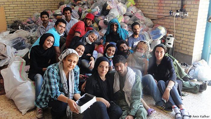 تعدادی از داوطلبانی که توسط نیروهای امنیتی بازداشت شدهاند