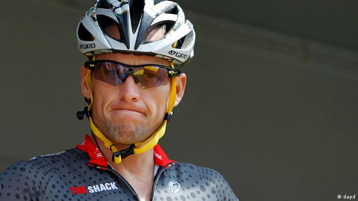 FILE - In this July 6, 2010, file photo, Lance Armstrong grimaces prior to the start of the third stage of the Tour de France cycling race in Wanze, Belgium. Armstrong said on Thursday, Aug. 23, 2012, that he is finished fighting charges from the United States Anti-Doping Agency that he used performance-enhancing drugs during his unprecedented cycling career, a decision that could put his string of seven Tour de France titles in jeopardy. (Foto:Christophe Ena, File/AP/dapd)