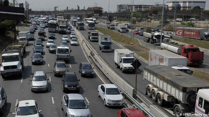 Governo suspende radares móveis em estradas federais