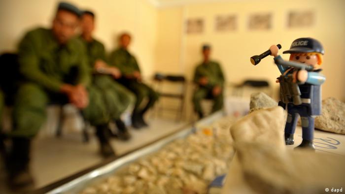 Afghanistan polizei polizist kundus sandkastenraum ausbildung german