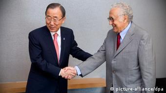 Katibu mkuu wa UN Ban Ki-moon na mjumbe mpya juu ya mzozo wa Syria Lakhdar Brahimi