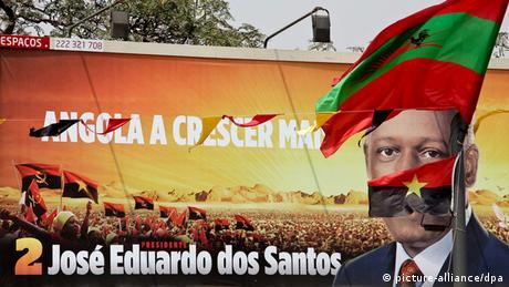 Election poster of dos Santos