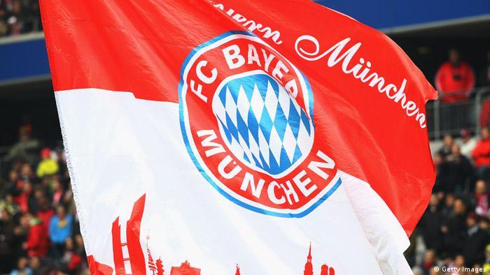 Bendera besar fans FC Bayern