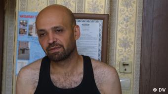Mahmoud Hassino, Herausgeber der Zeitschrift für homosexuelle Syrer Mawaleh. (Foto: DW/Reese Ehrlich)