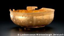 Abbildung 2 (Zentren der Macht): Goldschale aus Bad Cannstatt Ende 6. Jh. v. Chr. Landesmuseum Württemberg, Stuttgart © Landesmuseum Württemberg, Stuttgart; Foto: H. Zwietasch