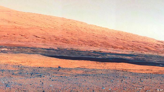 پس از هشت ماه قطع ارتباط و تلاشهای بیسرانجام اتاق فرمان برای ارتباط مجدد با آپورچونیتی، سرانجام ناسا تسلیم شد و به پروژه این مریخ نورد به عنوان یک پروژه بسیار موفق پایان داد.