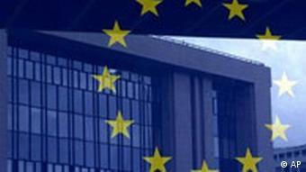 EU Sterne spiegeln sich im Europa Rat