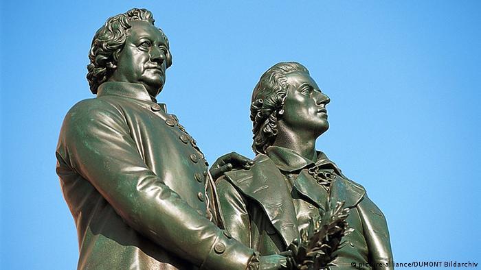 Памятник Гёте и Шиллеру перед Национальным театром, Веймар