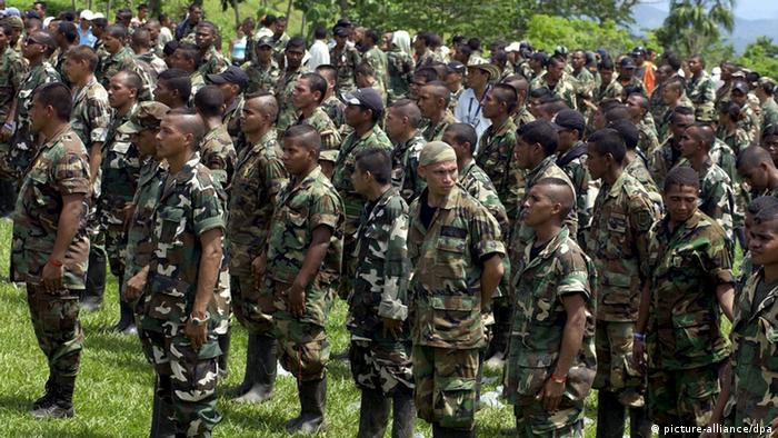 Paramilitares na Colômbia