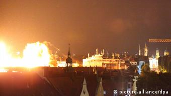Skyline photo of Munich, Schwabing, showing the illuminated blast after dark. Photo: Johannes Grimm dpa/lby