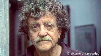 Portrait of novelist and satirist Kurt Vonnegut Photo: Photoreporters dpa