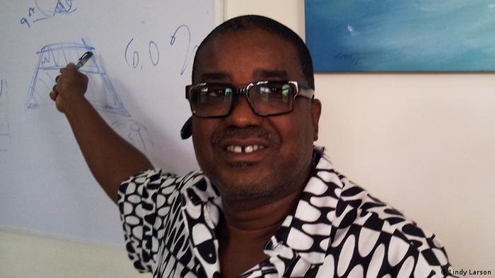"""Mvumbuzi wa huduma ya """"Hei Julor"""", Herman Chinery-Hesse wa Ghana."""
